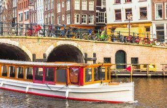 Borrelboot in Amsterdam